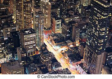 纽约城市, 曼哈顿, 街道, 空中的观点, 夜间