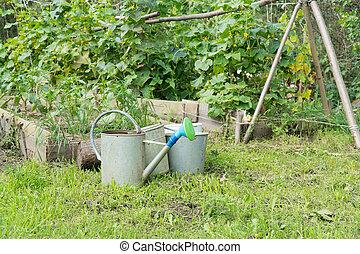 缶, 水まき, 庭