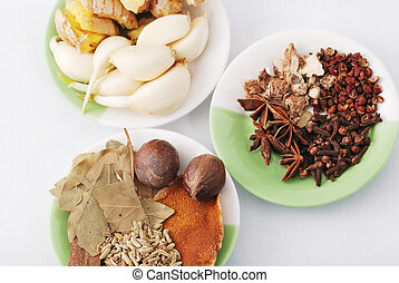 罐焖土豆烧肉, 各种各样, 材料, 香料, 亚洲