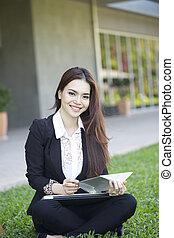 美しい女性, アジアのビジネス