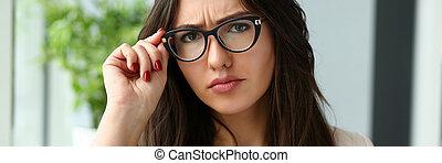 美しい女性, ビジネス, 若い, 保有物 ガラス