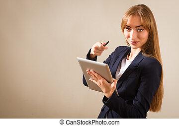 美しい女性, 上に働く, a, 人, 使うこと, 現代, タブレット, device.