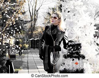美しい女性, 写真, 白黒, モミツリー, 雪だるま