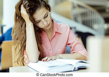 美しい女性, 勉強, 中に, 図書館
