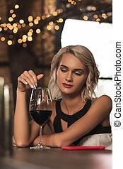 美しい女性, 彼女, 熟考すること, ガラス, ブロンド, ワイン