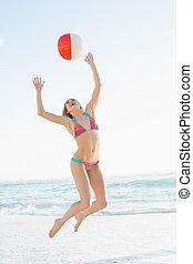 美しい女性, 投げる, 若い, ボール, 浜