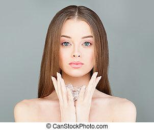 美しい女性, 自然の美しさ, 健康, 氷, 保有物, 皮膚, エステ, cubes., モデル