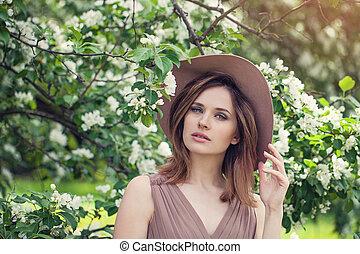 美しい女性, 花, 春, 若い, flowers., 屋外, 写真, ファッション