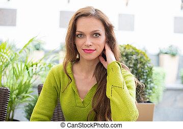美しい女性, 若い