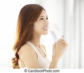 美しい女性, 若い, 水, 微笑, 飲むこと