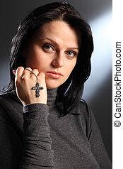 美しい女性, 静寂, 十字架像, 保有物, 宗教