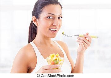 美しい女性, 食べること, indian, サラダ, これ, お気に入り, 若い, 食品。, フルーツ, 微笑, 私, サイド光景
