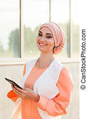 美しい, アラビア人, 女の子, コンピュータ, タブレット