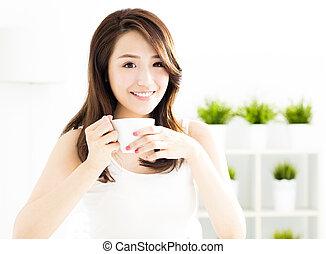 美しい, コーヒー, 女, 若い, アジア人, 飲むこと