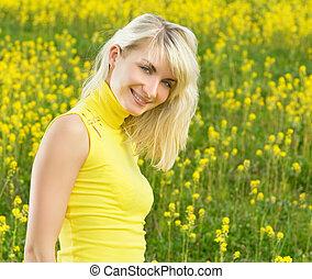 美しい, フィールド, 女, 若い, 花