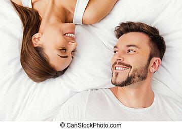 美しい, 一緒に。, 平面図, 若い, ベッド, 見る, 瞬間, 他, あらゆる, 一緒に, それぞれ, 楽しむ, 恋人, あること, 情事