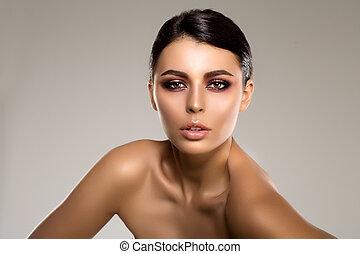 美しい, 大広間, 激しく打つ, 現代, 毛, 唇, エステ, ポーランド語, 女の子, 目, 口紅, 作りなさい, 若い, 長い間, 待遇, 女, 美しさ, 構造, 贅沢, マニキュア, 影, 女性, 釘, の上, プロダクト, mascara, モデル, 光沢がある