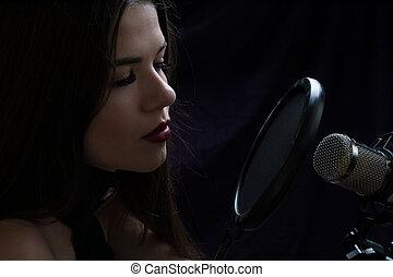 美しい, 女の子, 中に, レコーディングスタジオ, ∥で∥, マイクロフォン