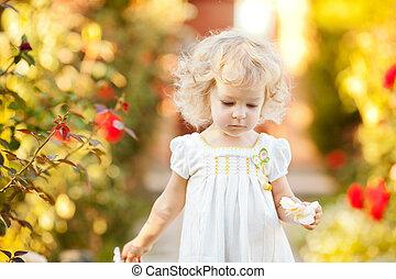 美しい, 子供, 中に, 庭
