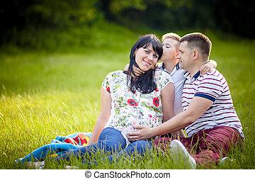 美しい, 家族, 妊娠した, 母, 公園, ∥(彼・それ)ら∥, 屋外で, 幸せ
