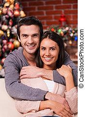 美しい, 恋人, 木, 若い, 結び付き, 他, 一緒に。, 背景, それぞれ, 微笑, 楽しむ, クリスマス, 情事