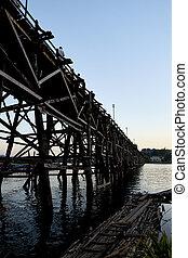 美しい, 橋, 古い, 木製である, 現場, 長い間, 日没, アジア人