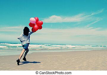 美しい, 歩くこと, 女, 海岸, 保有物, 風船, 赤