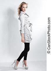 美しい, 灰色, フルである, 靴, 流行, コート, -, 若い, 高く, 写真, 女, シリーズ, かかと, 肖像画, 銀