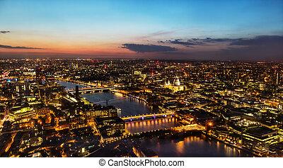 美しい, 町, 古い 都市, 上に, 日没, イギリス\, ロンドン