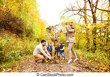 美しい, 秋, 家族, 若い, 歩きなさい, forest.
