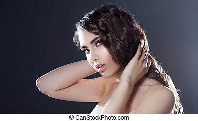 美しい, 若い, ブルネット, 女の子, ∥で∥, 長い間, 波状, hair., 巻き毛, hairstyle., 黒い背景