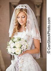 美しい, 身に着けていること, 女性の女の子, ヘアスタイル, 花束, 屋内, 花, 花嫁, veil., portrait., 構造, 結婚式, 白いドレス, bridal, posing.