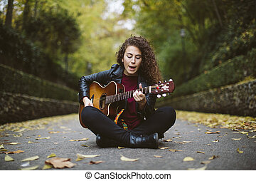 美しい, 身に着けていること, 女, ジャケット, モデル, 歌うこと, ギター, 若い, サングラス, forest., lifestyle., 黒人の少女, ファッション, 遊び
