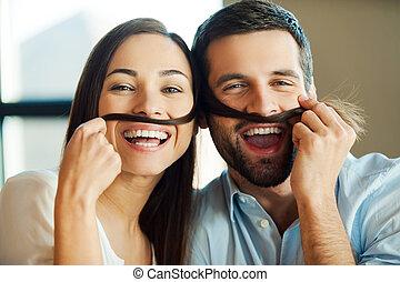 美しい, 遊び好きである, 彼女, 恋人, それぞれ, カップル。, 若い, 毛, 間, 他, 偽造品, 口ひげ, 作成, 微笑, 結び付き, 情事