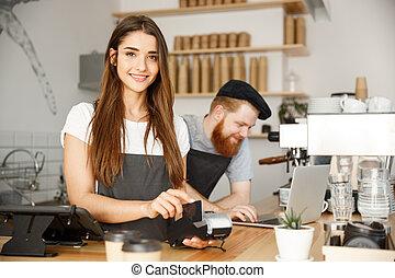 美しい, 顧客, コーヒー, 概念, バー, 仕事, サービス, shop., 寄付, カウンター, 現代, -, ビジネス, クレジット, 間, 女性, 微笑, 支払い, カード, barista