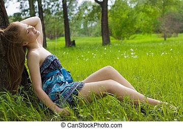 美しい, 10代少女, 牧草地, 微笑