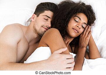 美しい, multiethnic, 弛緩, 恋人, 若い, 幸せ
