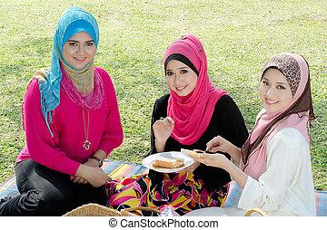 美しい, muslim, ガールフレンド, 上に, ピクニック, ∥において∥, よく晴れた日