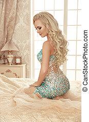 美しい, sensual, ブロンド, 花嫁, 女, ∥で∥, 構造, そして, 長い間, 巻き毛の髪, スタイル