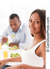 美しい, wineglasses, モデル, 健康, 恋人, 若い, 一緒に, 持つこと, 保有物, アフリカ, テーブル, breakfast.