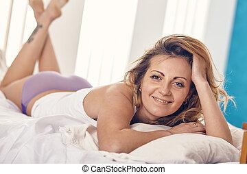 美丽的妇女, 仅仅, woke,