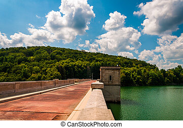 美丽, 云, 水库, 县, 结束, maryland., 水坝, prettyboy, 巴尔的摩