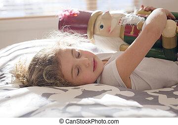 美麗, 孩子, 誰, 藏品, a, nutcracker, 在 床