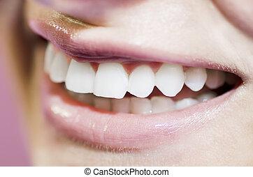 美麗, 微笑, 牙齒