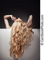 美麗, 長的頭髮麤毛交織物, 上, an, 有吸引力, 婦女