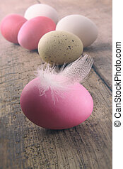 羽, イースター, 木製のテーブル, 卵