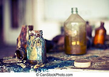 老, 使用, 魔藥, bottles., 被放棄, 商店, 由于, 化學制品