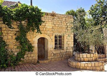 老, 石頭房子