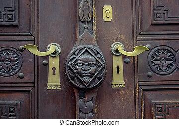 老, door.