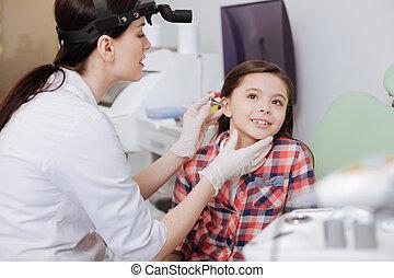 耳朵, 病人, 她, 醫生,  ear-funnel, 放, 注意